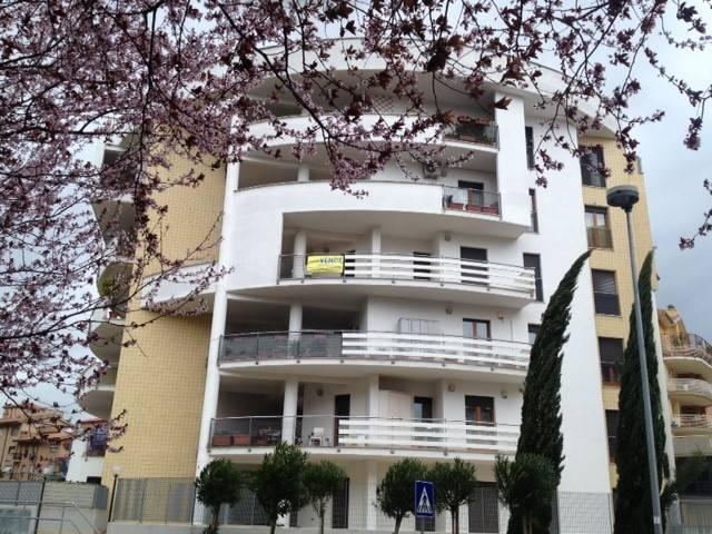 Trilocale in Via Stromboli, Monterotondo Scalo, Monterotondo