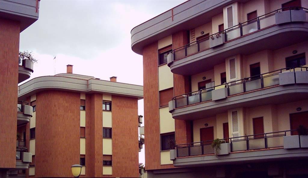 Trilocale in Via Val Badia, Monterotondo Scalo, Monterotondo