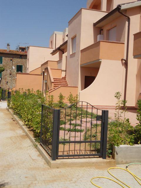 Appartamento in vendita a Gavorrano, 4 locali, zona Zona: Bagno di Gavorrano, prezzo € 130.000 | Cambio Casa.it