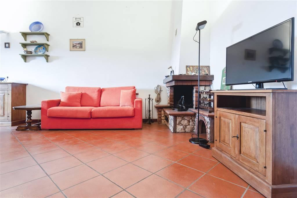 Appartamento in vendita a Piombino, 4 locali, zona Zona: Riotorto, prezzo € 138.000 | CambioCasa.it