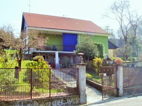 Villa in Via Lavazza, Torino