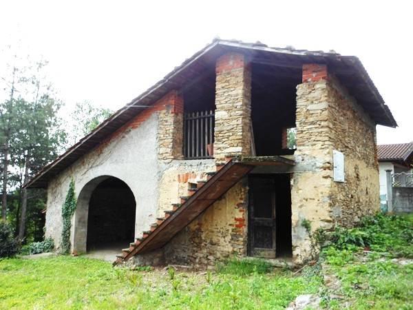 Rustico / Casale in vendita a Frossasco, 4 locali, prezzo € 83.000   CambioCasa.it