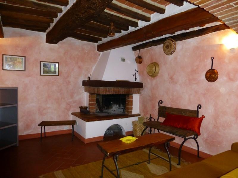 Soluzione Indipendente in vendita a Torrita di Siena, 6 locali, zona Zona: Montefollonico, prezzo € 150.000 | Cambio Casa.it