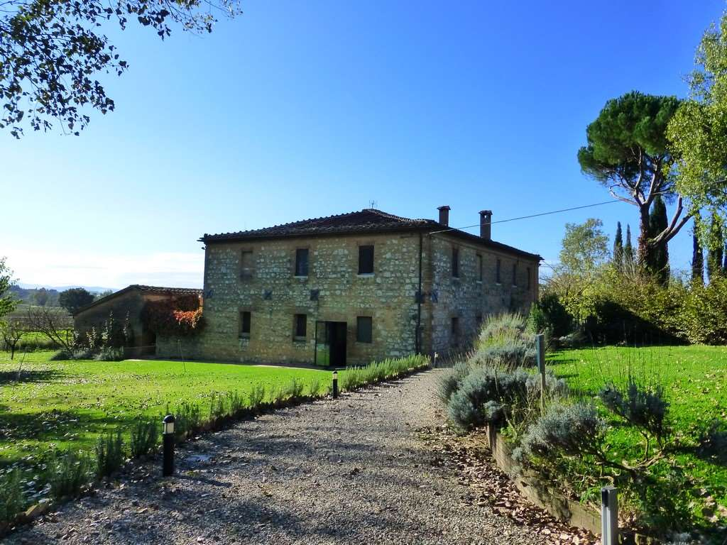 Agriturismo in Vendita a Monteroni d'Arbia