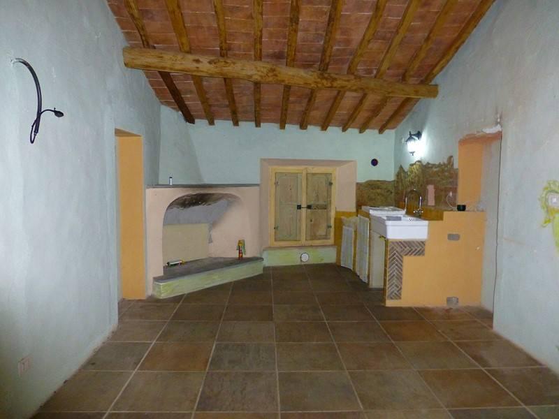 Soluzione Indipendente in vendita a San Giovanni d'Asso, 6 locali, zona Zona: Montisi, prezzo € 168.000 | Cambio Casa.it