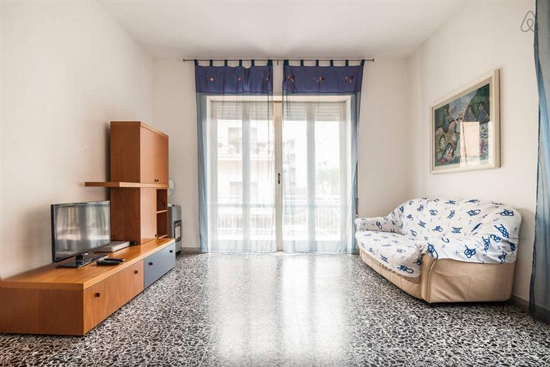 Appartamento in vendita a Terracina, 5 locali, zona Località: CENTRALE, prezzo € 265.000 | CambioCasa.it