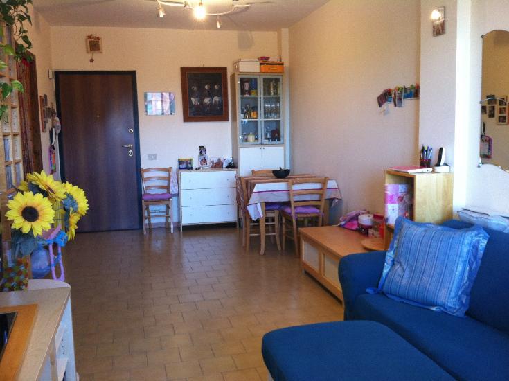 Appartamento in vendita a Terracina, 4 locali, zona Località: LUNGOMARE, prezzo € 129.000 | CambioCasa.it