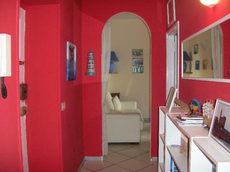 Appartamento in vendita a Terracina, 4 locali, zona Località: CENTRALE, prezzo € 118.000 | CambioCasa.it
