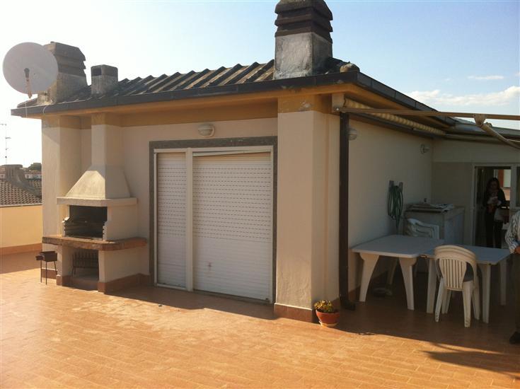 Attico / Mansarda in vendita a Terracina, 4 locali, zona Località: LUNGOMARE, prezzo € 405.000 | Cambio Casa.it