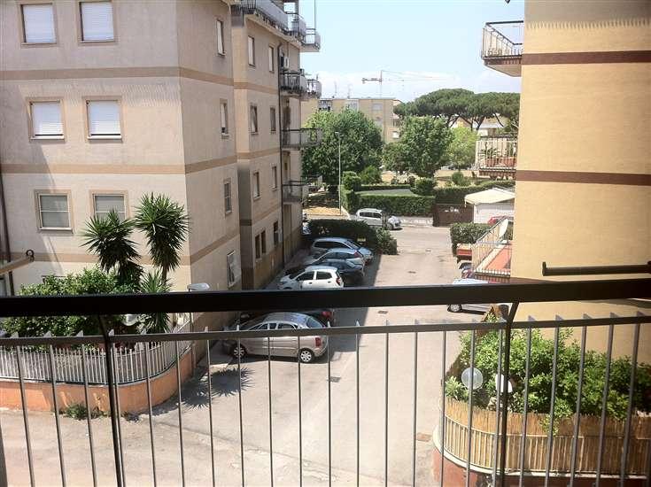 Appartamento in vendita a Terracina, 5 locali, zona Località: LUNGOMARE, prezzo € 220.000 | CambioCasa.it