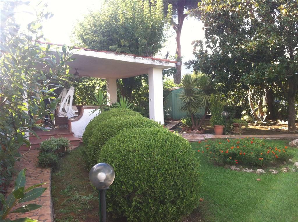 Villa a Schiera in vendita a Fondi, 5 locali, zona Zona: Salto di Fondi, prezzo € 150.000 | CambioCasa.it