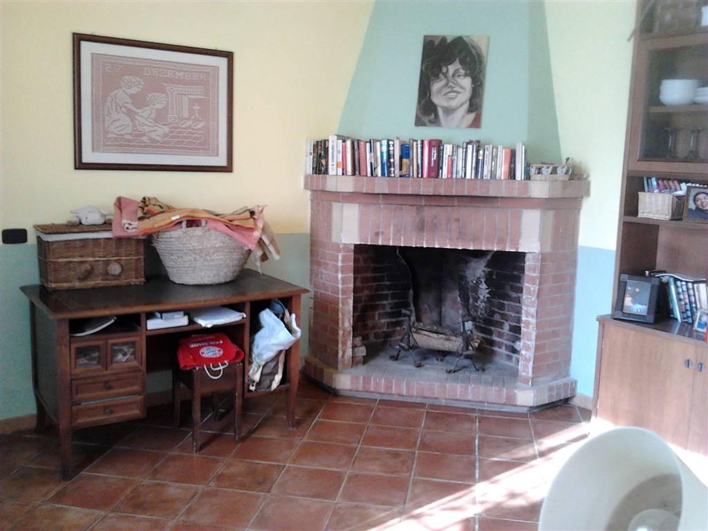 Villa in vendita a Monte San Biagio, 6 locali, zona Zona: Vallemarina, prezzo € 230.000 | Cambio Casa.it