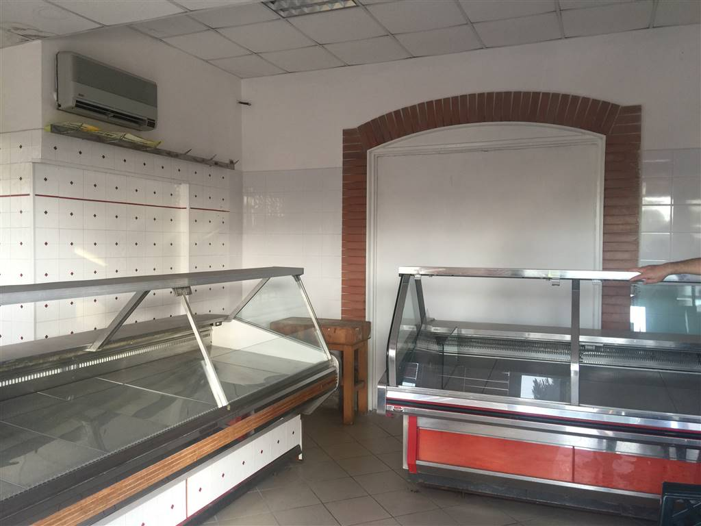 Negozio / Locale in vendita a Terracina, 2 locali, prezzo € 50.000 | CambioCasa.it