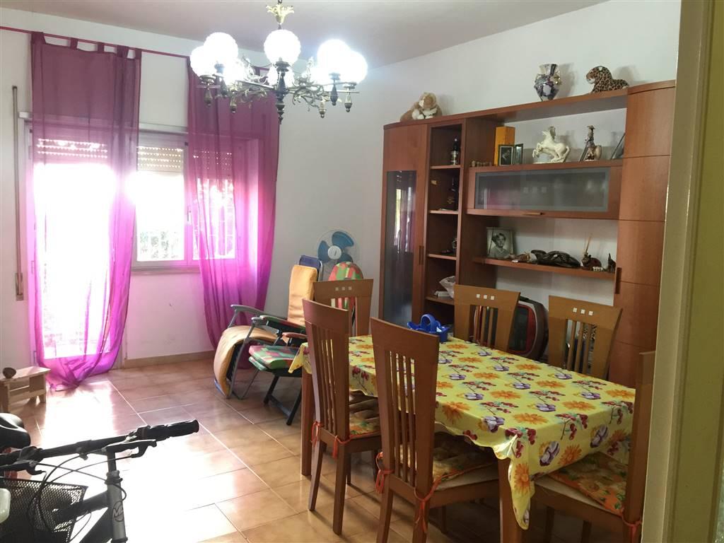 Appartamento in vendita a Terracina, 5 locali, zona Località: LUNGOMARE, prezzo € 290.000 | CambioCasa.it