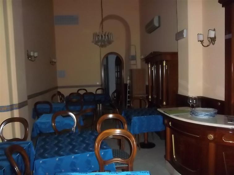 Ristorante / Pizzeria / Trattoria in affitto a La Spezia, 3 locali, zona Località: CENTRO, prezzo € 2.500 | Cambio Casa.it