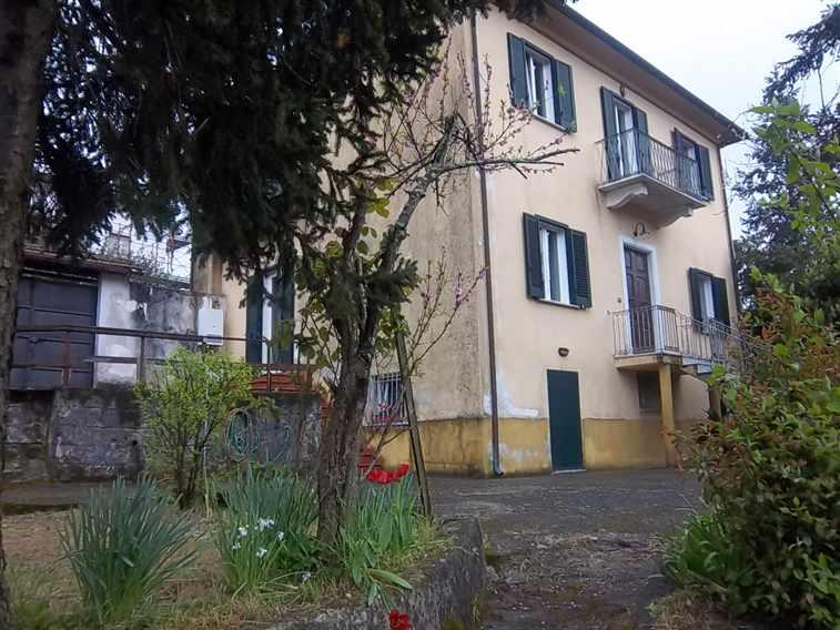 Soluzione Indipendente in vendita a La Spezia, 10 locali, zona Località: BUONVIAGGIO, prezzo € 400.000 | Cambio Casa.it