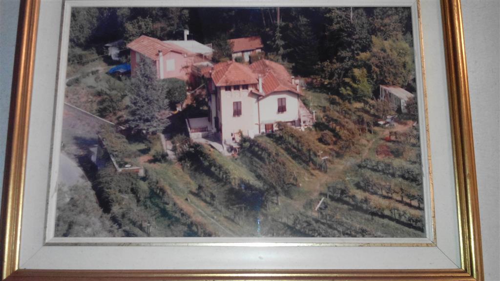 Soluzione Indipendente in vendita a Riccò del Golfo di Spezia, 7 locali, zona Località: CARESANA, prezzo € 350.000 | CambioCasa.it