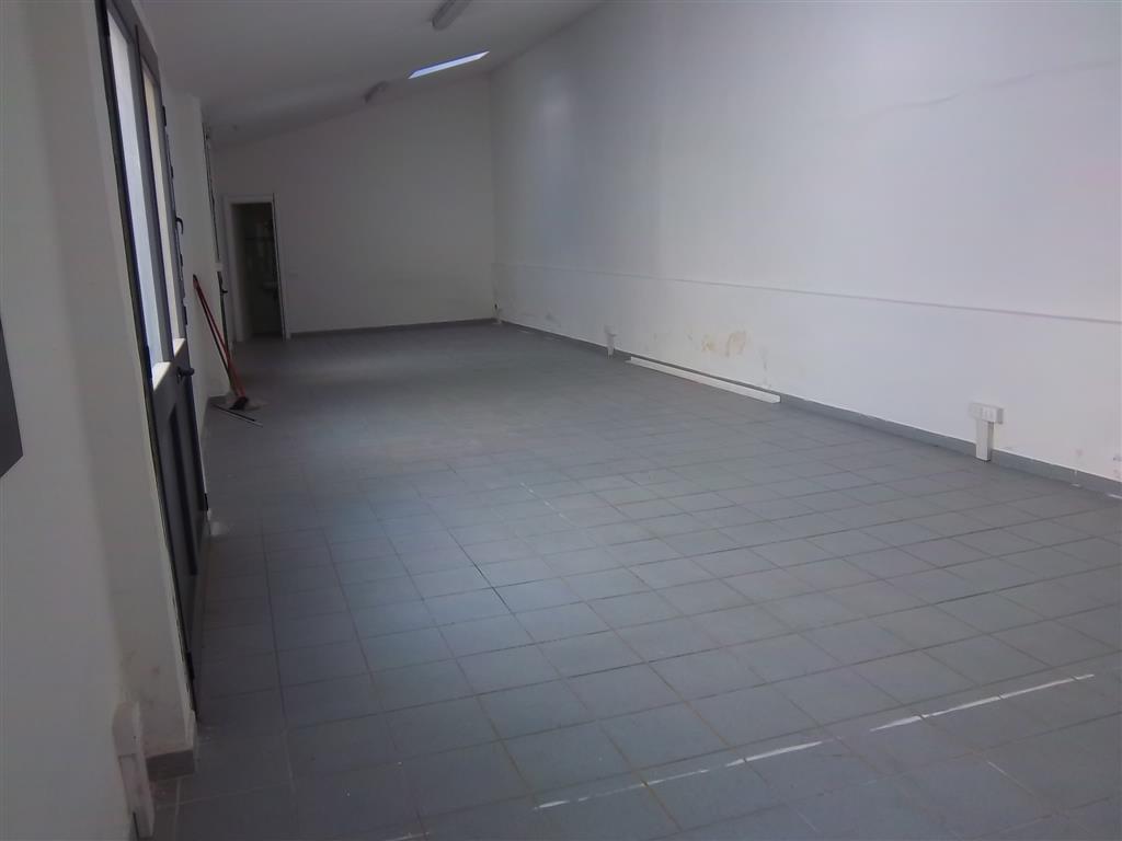 Capannone in affitto a La Spezia, 9999 locali, zona Zona: Canaletto, prezzo € 450 | Cambio Casa.it