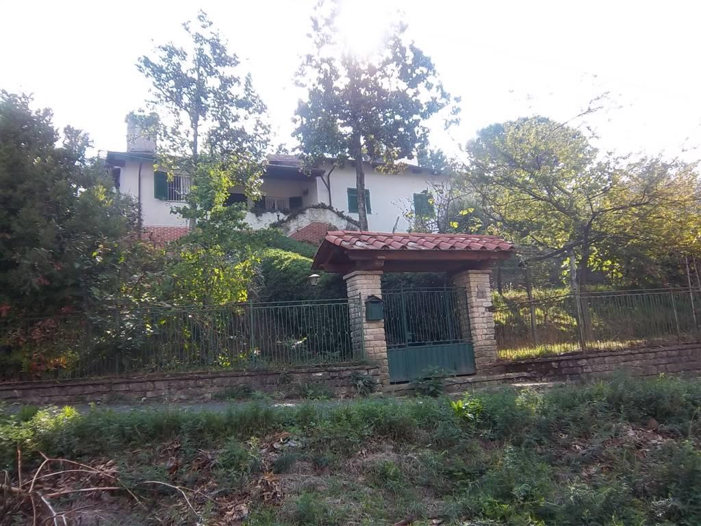 Villa in vendita a Aulla, 7 locali, zona Zona: Caprigliola, prezzo € 350.000 | Cambio Casa.it