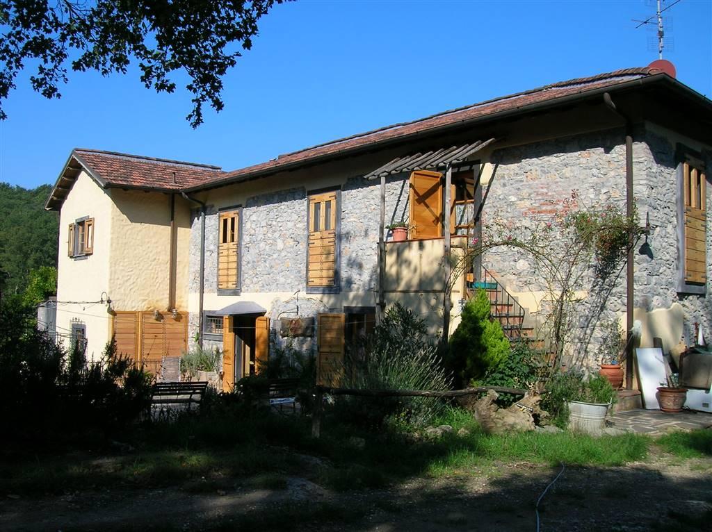 Soluzione Indipendente in vendita a Lerici, 14 locali, Trattative riservate | CambioCasa.it