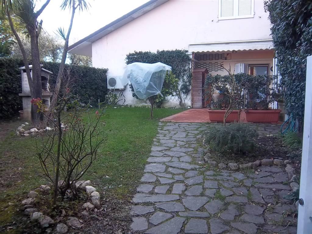 Soluzione Indipendente in vendita a Ameglia, 4 locali, prezzo € 220.000 | Cambio Casa.it