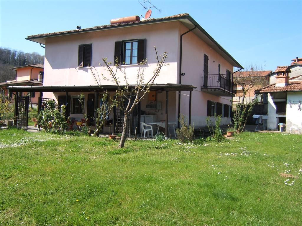 Villa in vendita a Fivizzano, 7 locali, prezzo € 480.000 | CambioCasa.it