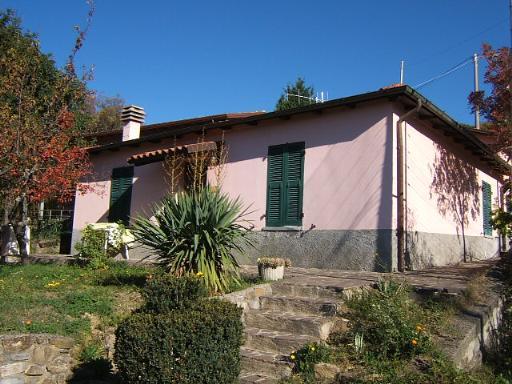 Soluzione Indipendente in vendita a Fivizzano, 5 locali, prezzo € 125.000 | Cambio Casa.it