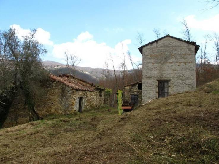 Rustico / Casale in vendita a Fivizzano, 6 locali, prezzo € 150.000 | Cambio Casa.it