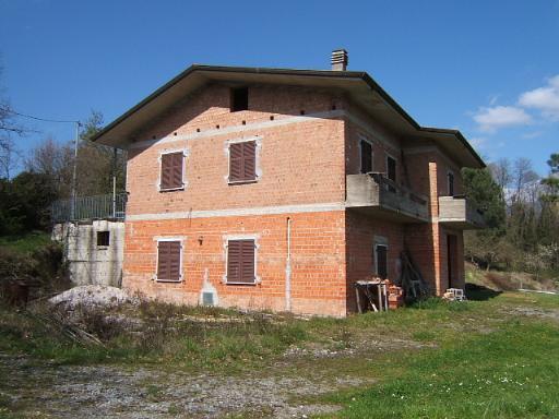 Soluzione Indipendente in vendita a Villafranca in Lunigiana, 5 locali, prezzo € 300.000 | Cambio Casa.it