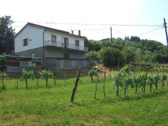 Soluzione Indipendente in vendita a Casola in Lunigiana, 5 locali, prezzo € 180.000 | CambioCasa.it