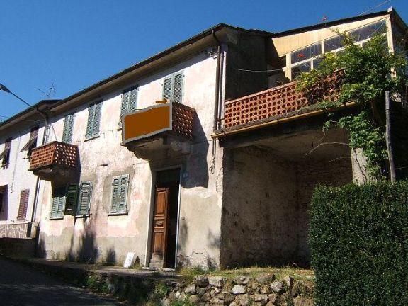 Soluzione Semindipendente in vendita a Tresana, 6 locali, prezzo € 130.000 | Cambio Casa.it