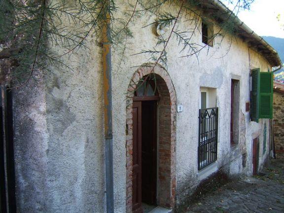 Soluzione Semindipendente in vendita a Fivizzano, 3 locali, prezzo € 25.000 | Cambio Casa.it