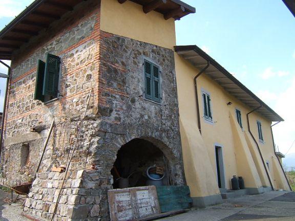 Rustico / Casale in vendita a Aulla, 5 locali, prezzo € 500.000 | Cambio Casa.it