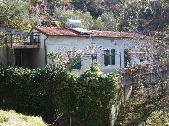 Soluzione Indipendente in vendita a Fivizzano, 4 locali, prezzo € 75.000 | Cambio Casa.it