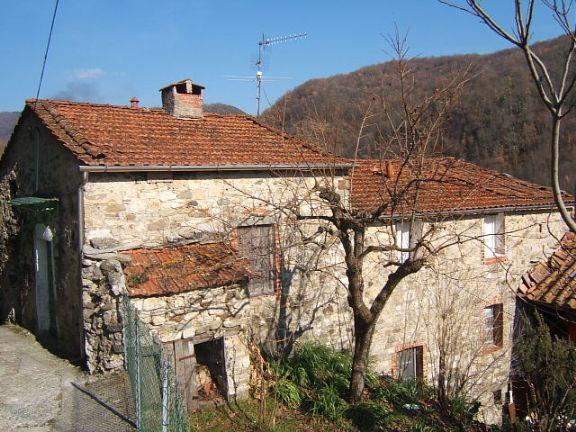 Rustico / Casale in vendita a Fivizzano, 8 locali, prezzo € 95.000 | Cambio Casa.it