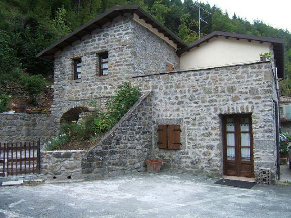 Soluzione Indipendente in vendita a Fivizzano, 4 locali, prezzo € 230.000 | Cambio Casa.it