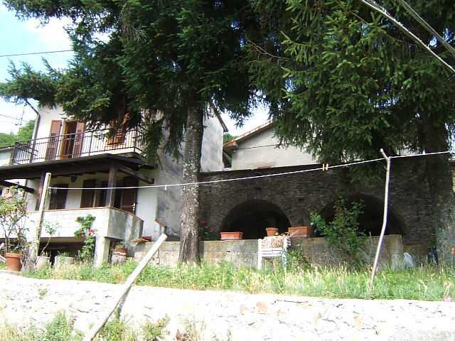 Rustico / Casale in vendita a Casola in Lunigiana, 7 locali, prezzo € 190.000 | Cambio Casa.it