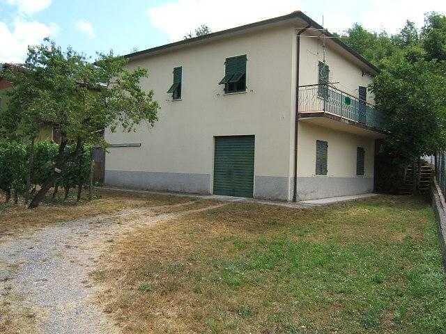 Soluzione Indipendente in vendita a Casola in Lunigiana, 4 locali, prezzo € 170.000 | Cambio Casa.it
