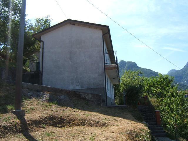 Soluzione Indipendente in vendita a Fivizzano, 5 locali, prezzo € 150.000 | Cambio Casa.it