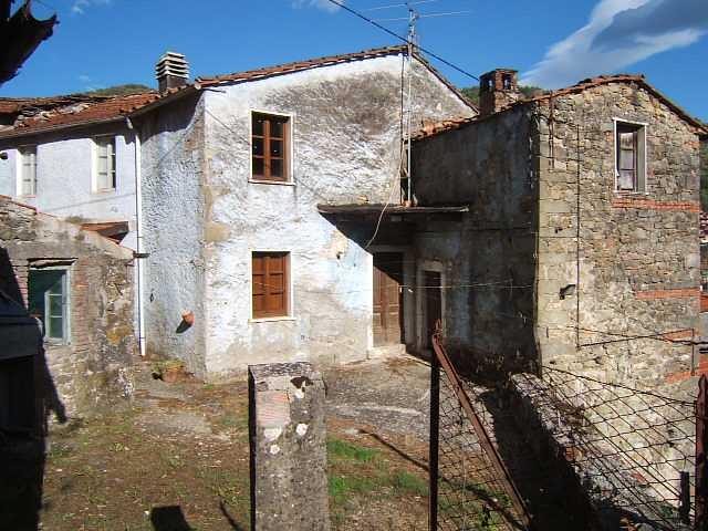 Rustico / Casale in vendita a Casola in Lunigiana, 5 locali, prezzo € 35.000 | Cambio Casa.it