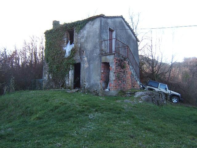 Rustico / Casale in vendita a Aulla, 4 locali, prezzo € 55.000 | Cambio Casa.it