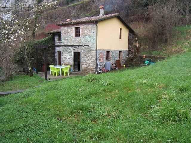 Soluzione Indipendente in vendita a Casola in Lunigiana, 4 locali, prezzo € 99.000 | CambioCasa.it