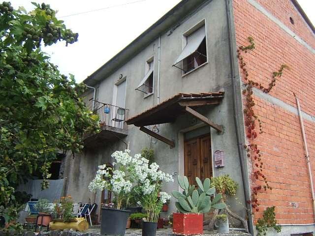 Soluzione Semindipendente in vendita a Mulazzo, 4 locali, prezzo € 130.000 | Cambio Casa.it