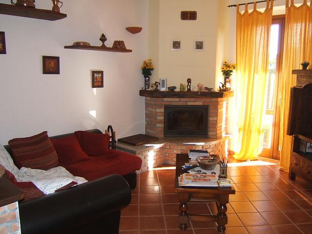 Soluzione Indipendente in vendita a Tresana, 4 locali, prezzo € 105.000 | CambioCasa.it