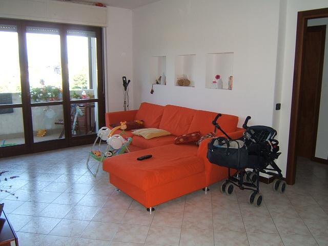 Appartamento in vendita a Aulla, 4 locali, prezzo € 135.000   Cambio Casa.it