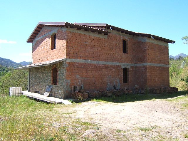 Soluzione Indipendente in vendita a Aulla, 6 locali, prezzo € 250.000 | CambioCasa.it