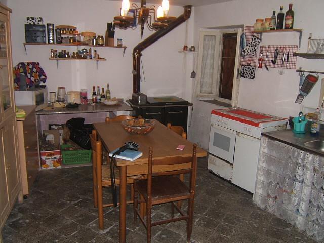 Soluzione Semindipendente in Vendita a Casola in Lunigiana