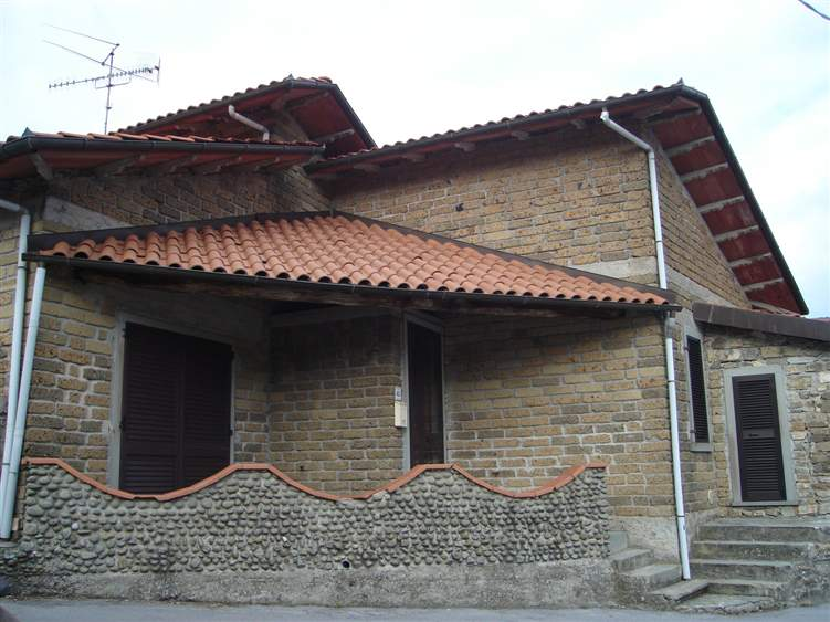 Soluzione Semindipendente in vendita a Minucciano, 7 locali, prezzo € 115.000 | Cambio Casa.it