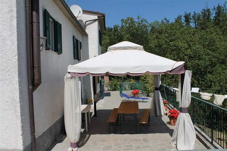 Soluzione Indipendente in vendita a Piazza al Serchio, 9 locali, prezzo € 180.000 | Cambio Casa.it