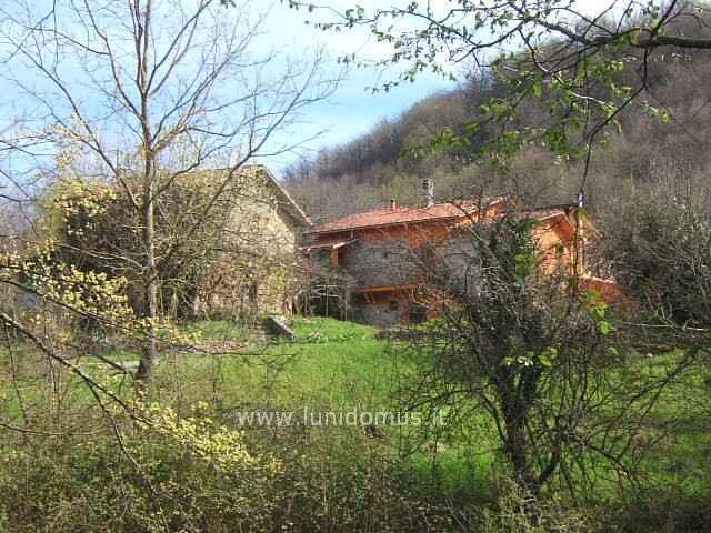 Rustico / Casale in vendita a Aulla, 7 locali, prezzo € 300.000 | Cambio Casa.it